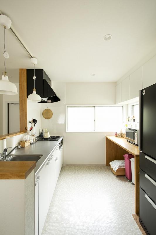 広い半個室のキッチン