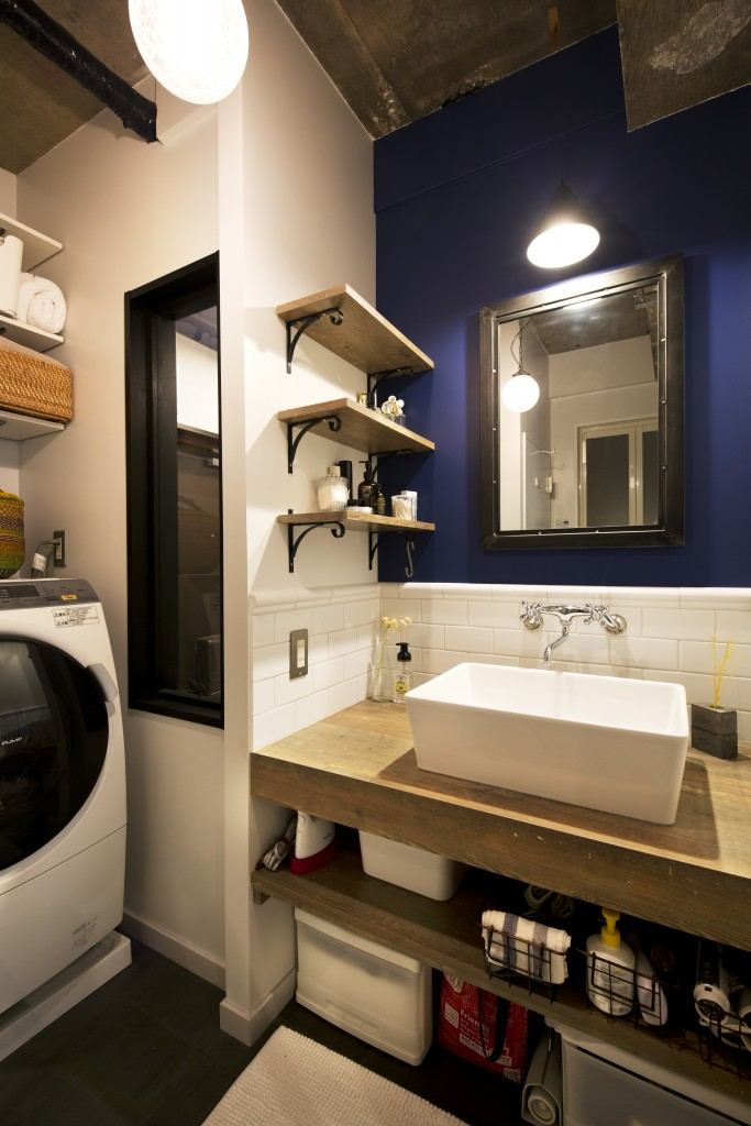 洗面カウンターのおしゃれな照明