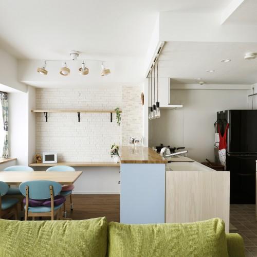 Case.45 - ブルーのキッチンがポイント!北欧インテリア