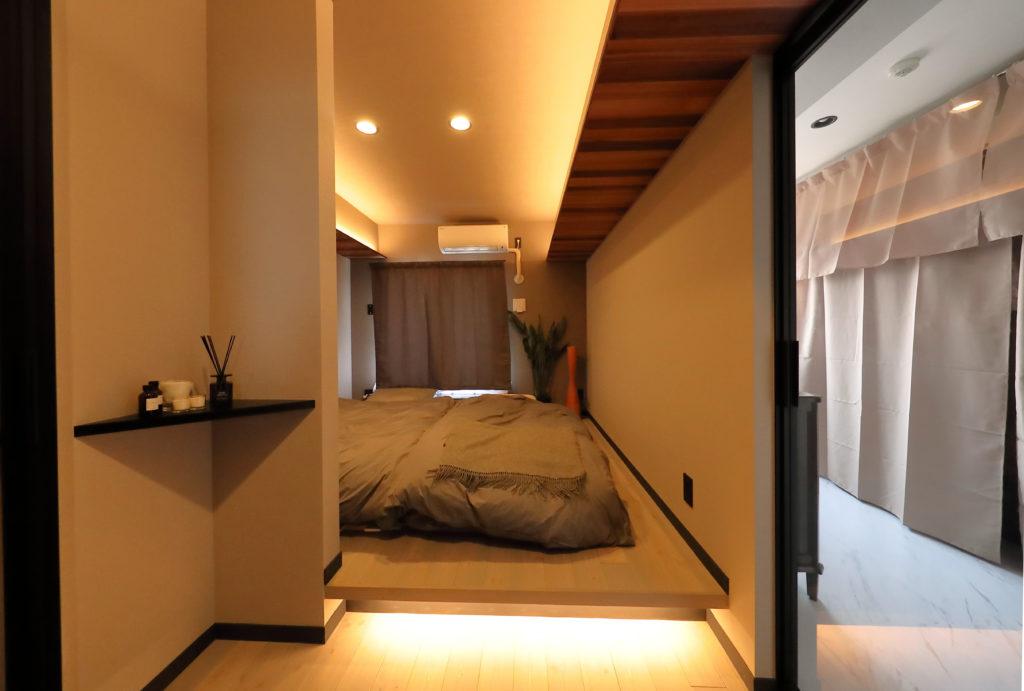 リゾートホテルのような寝室