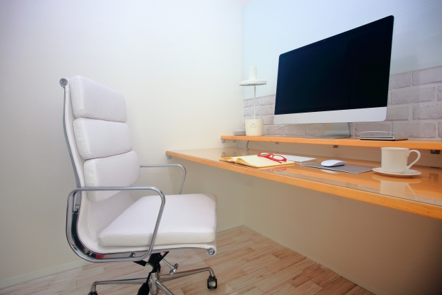 腰痛対策のデスクチェア