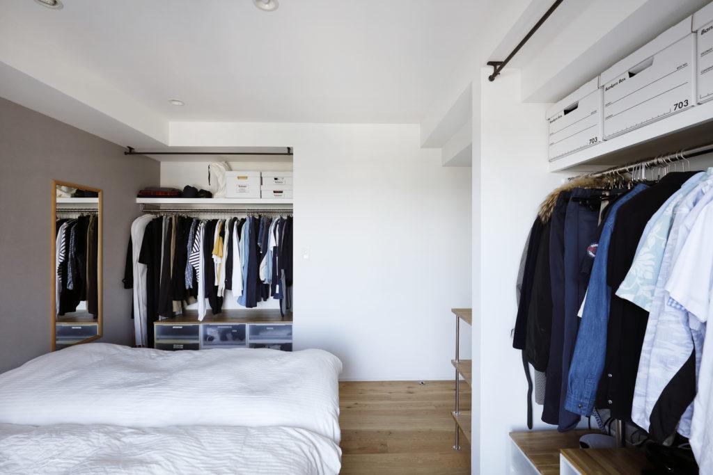 たくさんの収納がある寝室