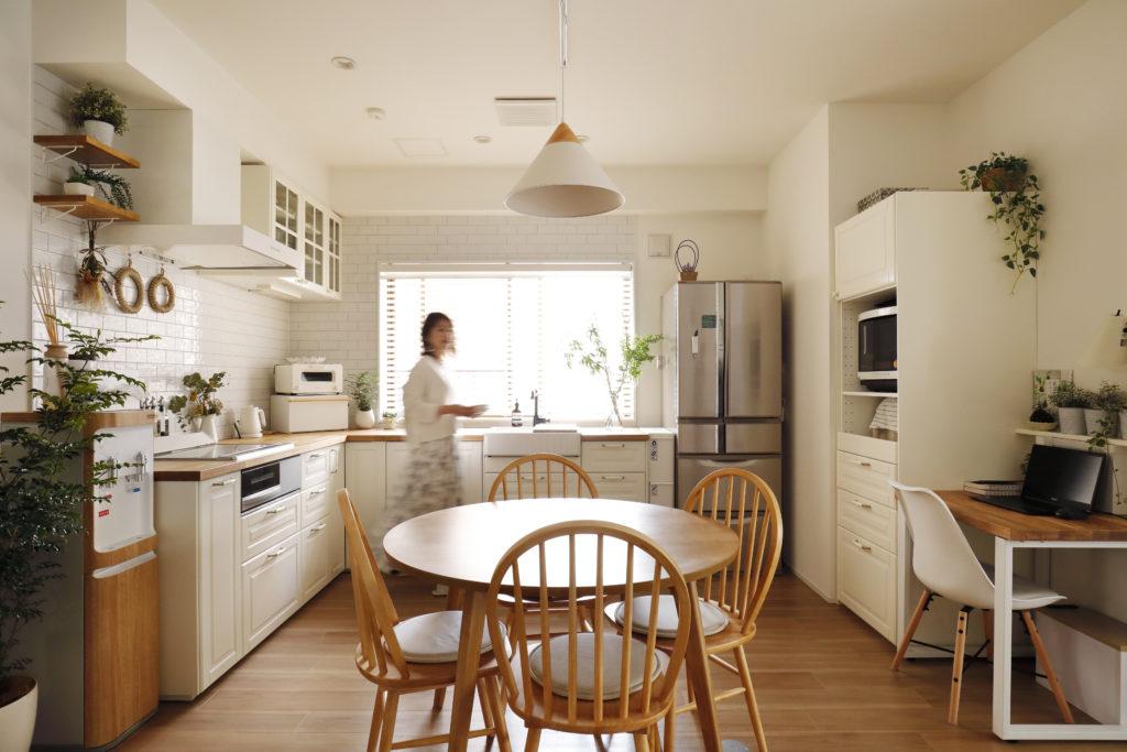 動線効率に優れるL型キッチン