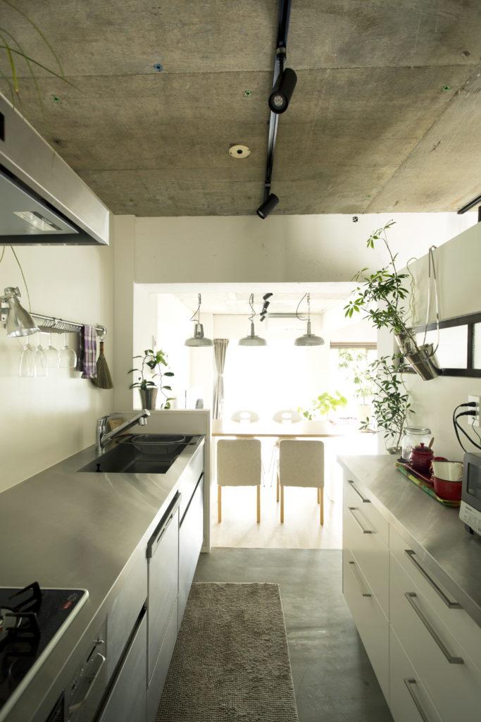 マンションの壁付けキッチン