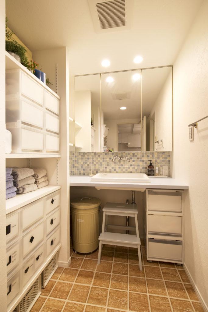 整頓されたおしゃれな洗面所