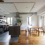 明るく清潔感のあるキッチンダイニング