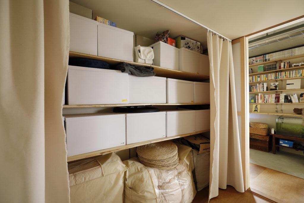 お気に入りの収納BOXがちょうど収まる奥行と高さのクローゼット
