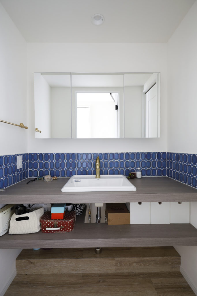 すき間のない造作洗面台