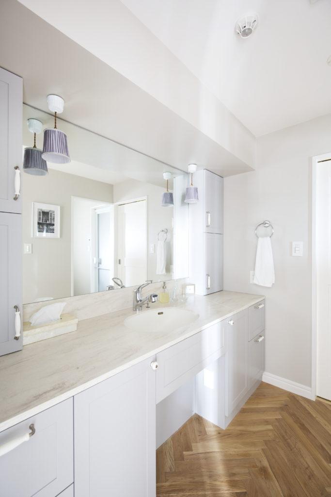 幅広で使いやすい洗面