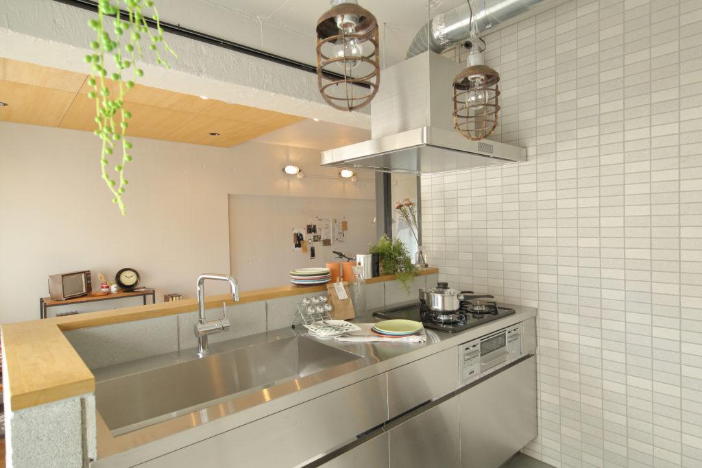 水回りリノベーションのキッチン